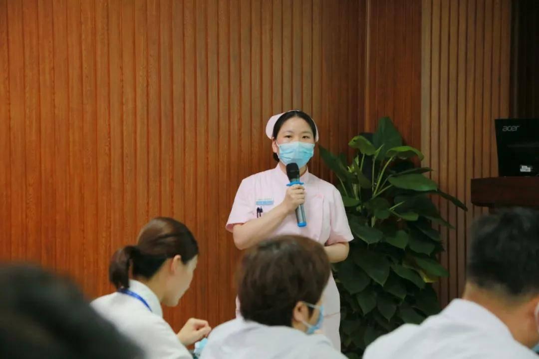 海华医院举行 2020 年护理后备干部竞聘演讲大会