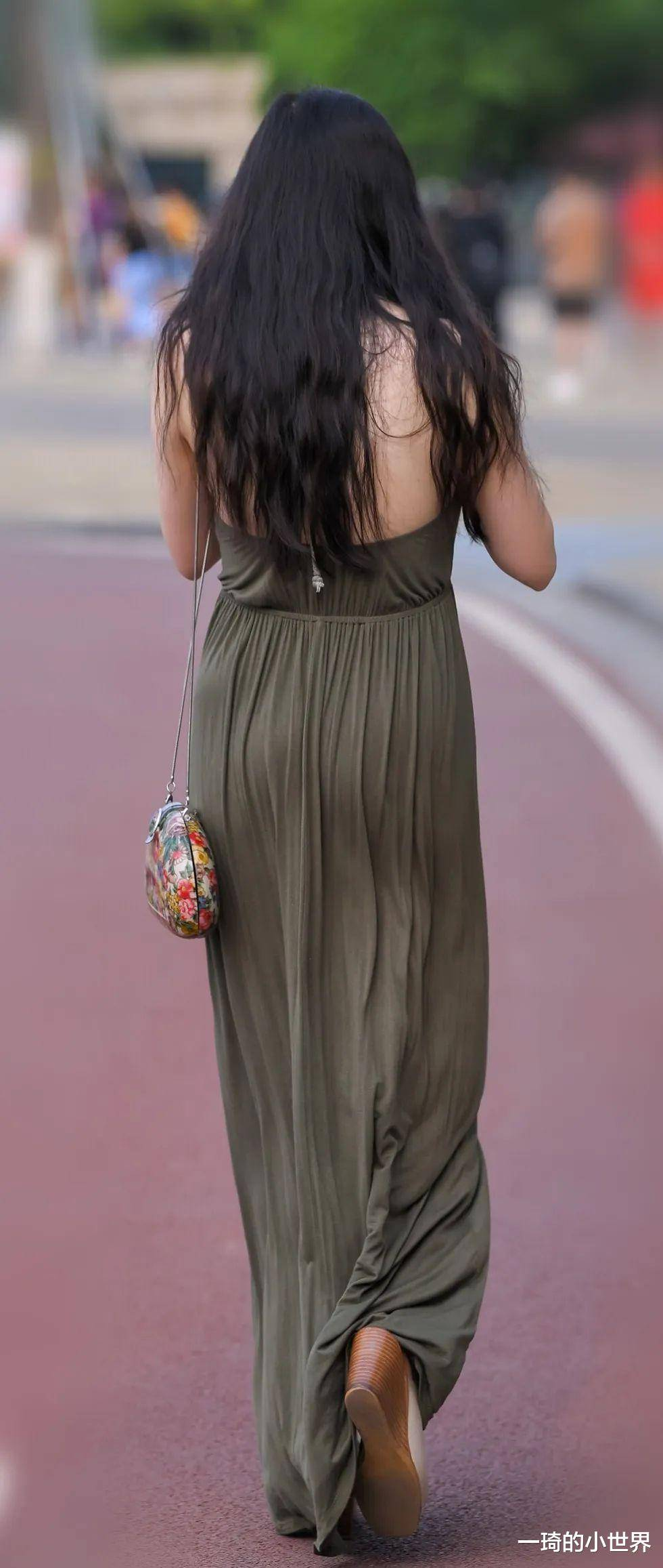 曼妙的夏季長裙,微風襲來的感覺特別美