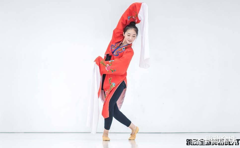 古典舞身韵的基本要素(学古典舞的最晚年龄)