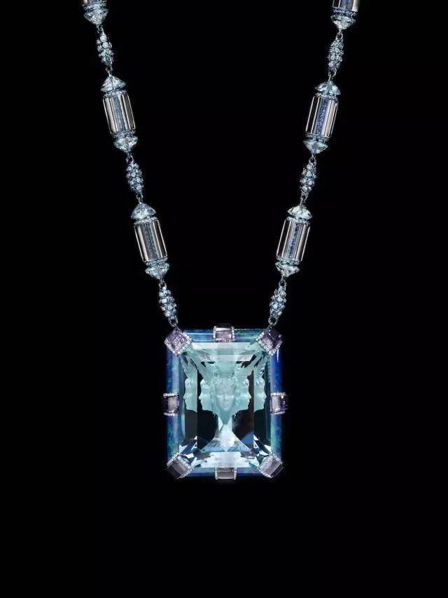 这是最负盛名的华人珠宝设计师,作品惊世骇俗