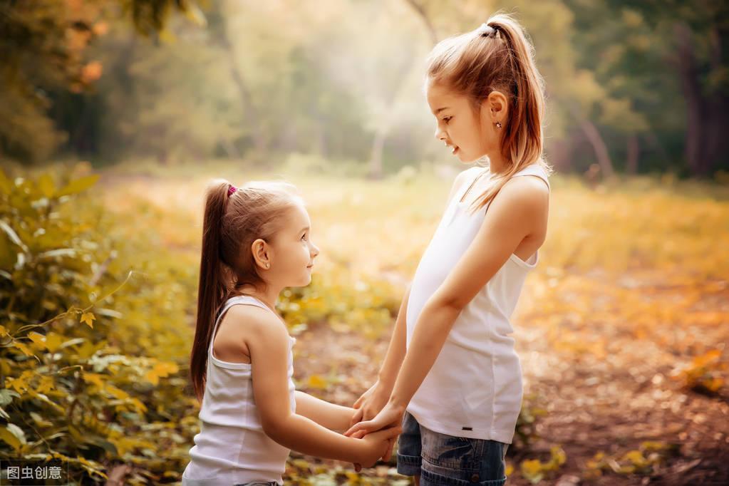 形容友情的唯美句子(闺蜜短句八个字)