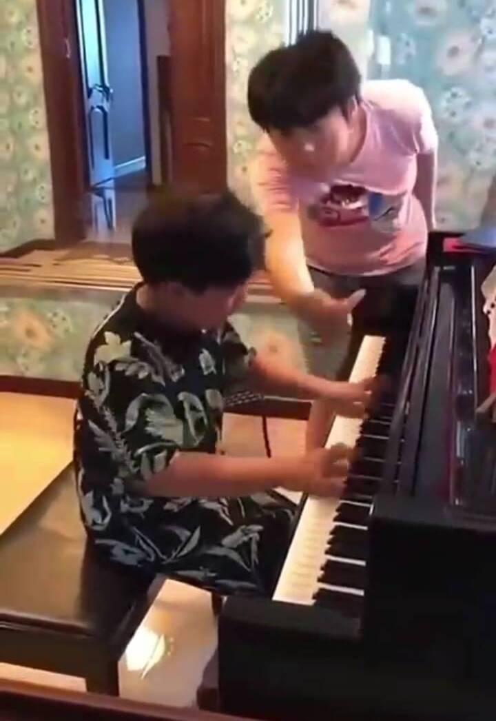 郎朗钢琴课多少钱(郎朗教学魔性吗)插图(2)