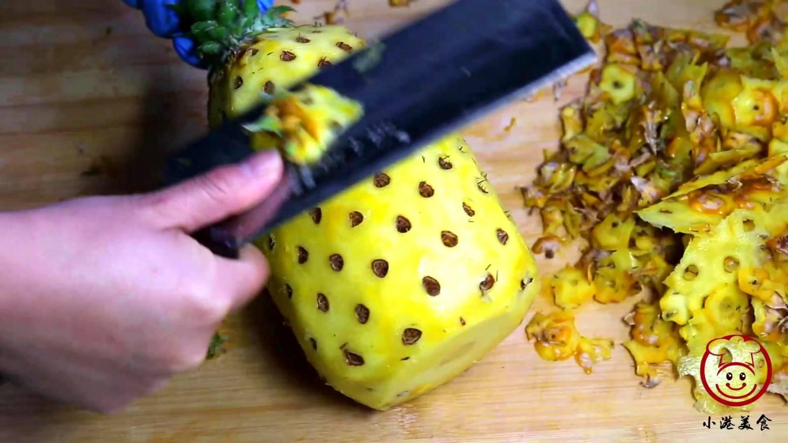 菠萝在家里怎么削皮(削菠萝有几种方法呢)插图(3)