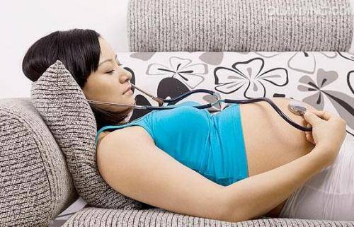 """孕妇请求楼上孩子轻点跑 宝宝回复""""我刚才都哭了"""" 这妈有力度-家庭网"""