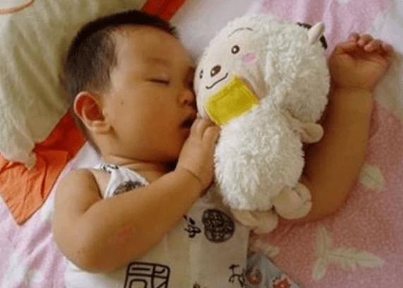 原文这三种食物儿童睡前不宜食用。如果你不吃食物,也会影响你的智力和身高