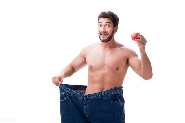 男人的六块腹肌,怎么才能练出来?遵循2个步骤:先减脂再虐腹!