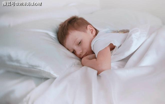 放寒假了,你会让孩子睡懒觉、赖床吗