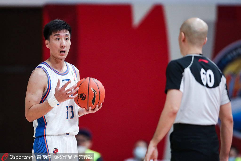 2020-21赛季CBA联赛常规赛第34轮继续进行,四川男篮对阵上海男篮