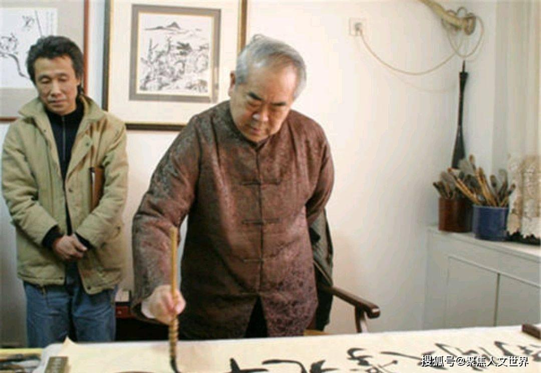 """范曾一幅画卖6900万,表示再过30年,艺术造诣超过""""八大山人"""""""