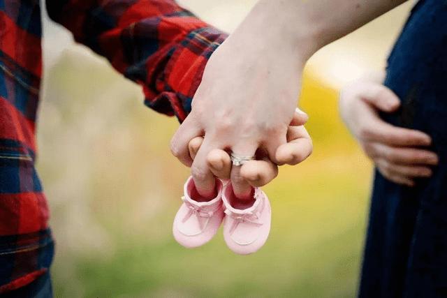 生二胎医生让剖宫产,丈夫想让妻子顺产,女人的人生要自己做主