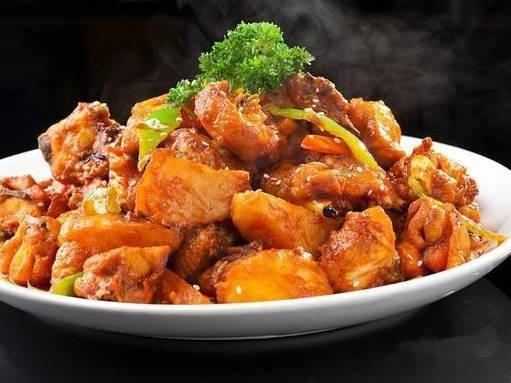 春季家常美食推荐:蒜泥芹菜叶,香椿豆腐,金瓜海蛎子的做法