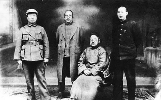 此人杀敌无数,但日军排队向他致敬。 牺牲后被日本将军礼节厚葬。
