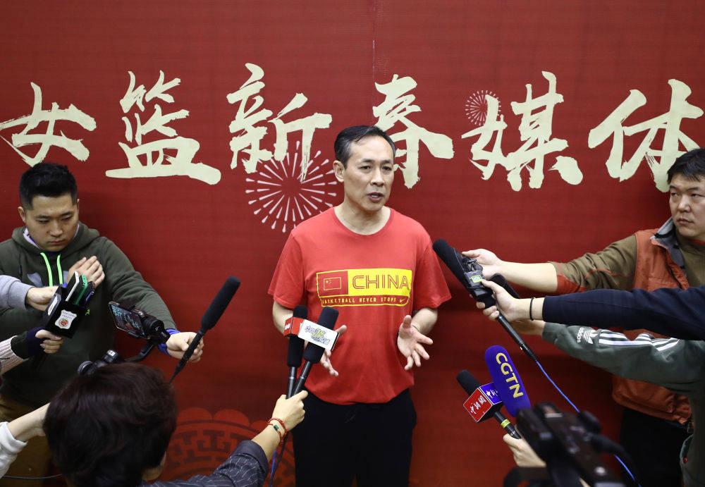 许利民:女篮奥运小组出线难度不小 目标仍是保前八_中国女篮