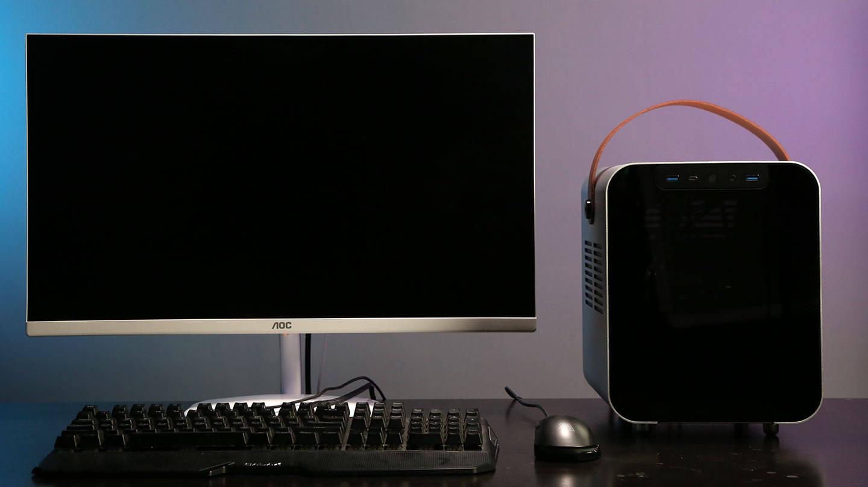 为了回家过年办公两不误,我装了一台可以提着走的ITX小主机