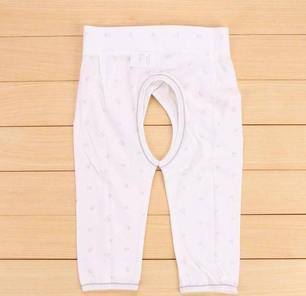 给孩子穿开裆裤的小行为 穿开裆裤也会对孩子造成伤害
