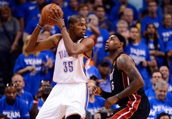 NBA球星三节能砍多少分?科比62分,克莱60分,一人震铄古今