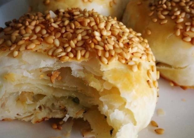 盐酥烧饼这做法,皮酥里软吃着香,不醒面照样层层酥脆,省时间