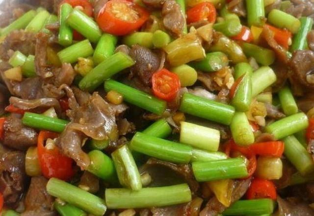 10余道菜肴分享,料足味更香,下酒下饭好实惠,家人吃的美滋滋