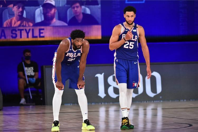 原创             NBA综述:雄鹿轻取国王,篮网险胜快船,老鹰力克掘金,猛龙逆转76人