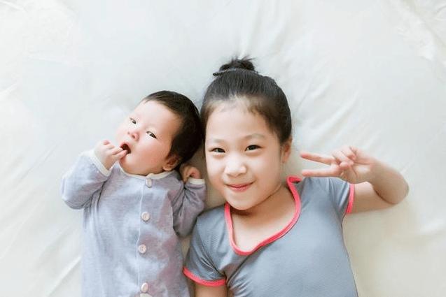 如果头胎是女儿还有必要生二胎吗?年轻父母的回答,既负责又理智  第4张