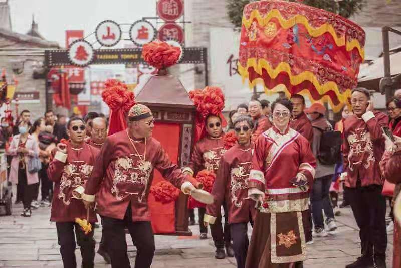 中国年在忻州 山西:房车出游新风尚 忻州古城品年味(组图)  第9张