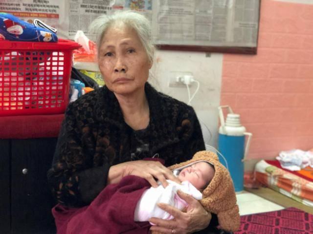 儿子离世儿媳也在分娩时死亡,7旬老妇独自照顾没满月的孙子