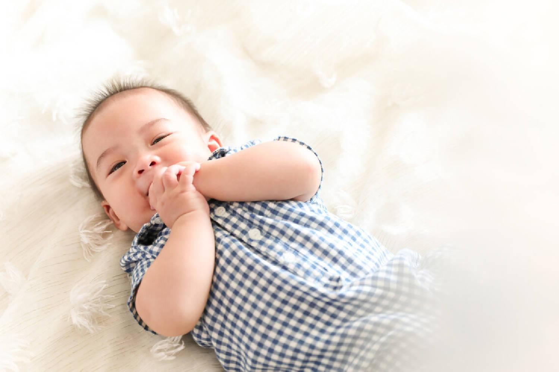 宝宝睡觉不老实,满床打滚扭来扭去是为何?说明你的养育存在问题  第4张