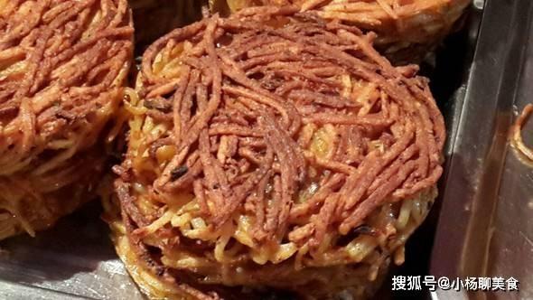 土豆别总是炒着吃,教你一个简单美味又拉风的做法,3秒完工