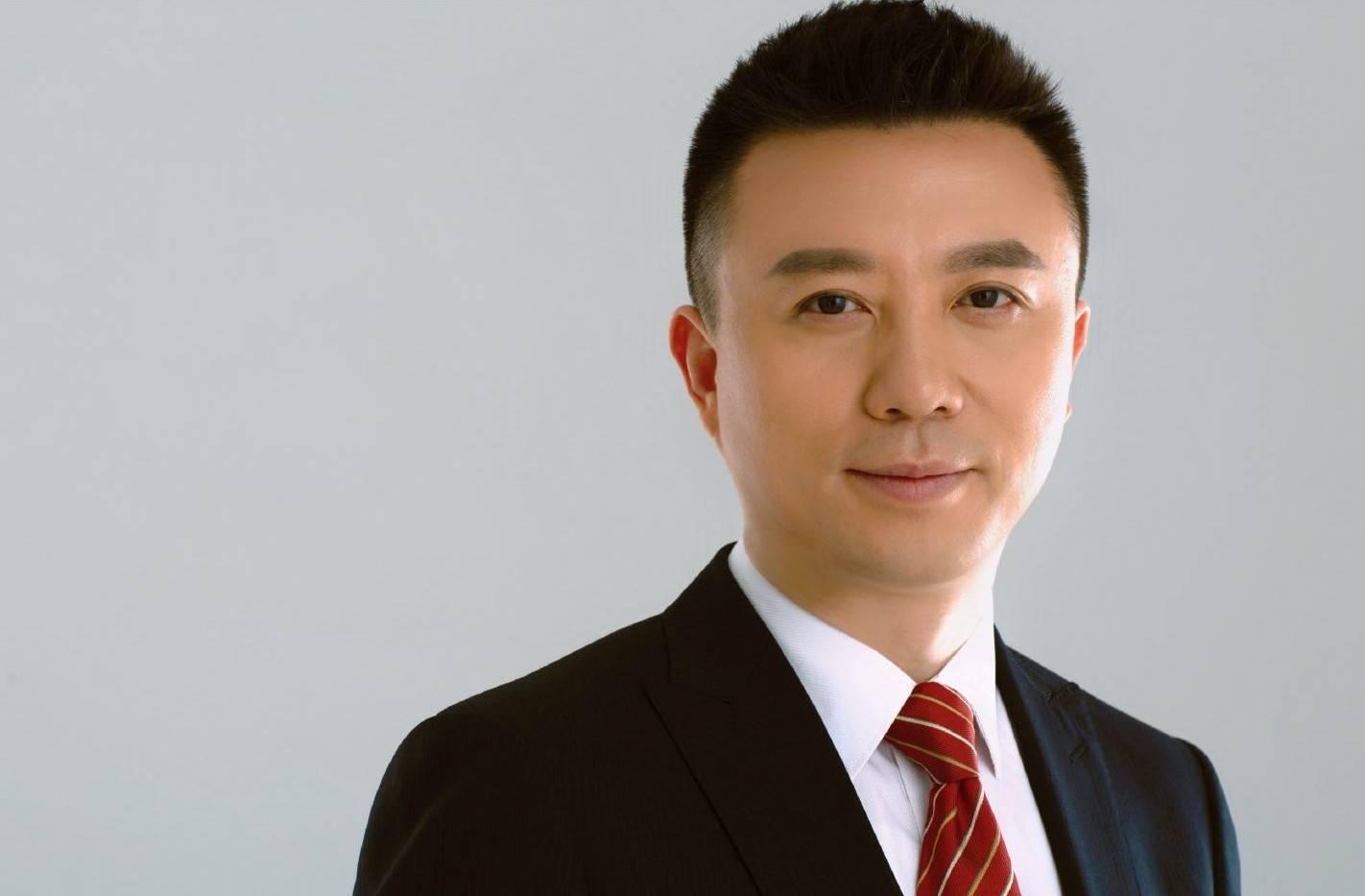 清华学霸柏栩栩:与李易峰同台选秀,现为男主播,被赞有康辉范儿  第15张