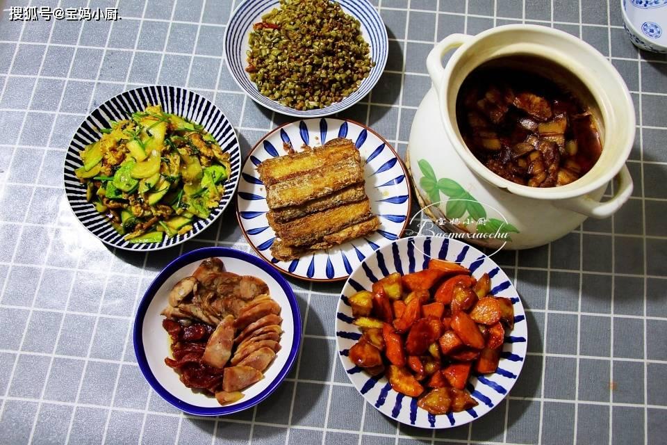 儿子要去上班了,晚餐做了6道菜,都是爱吃的,网友:是亲妈没错