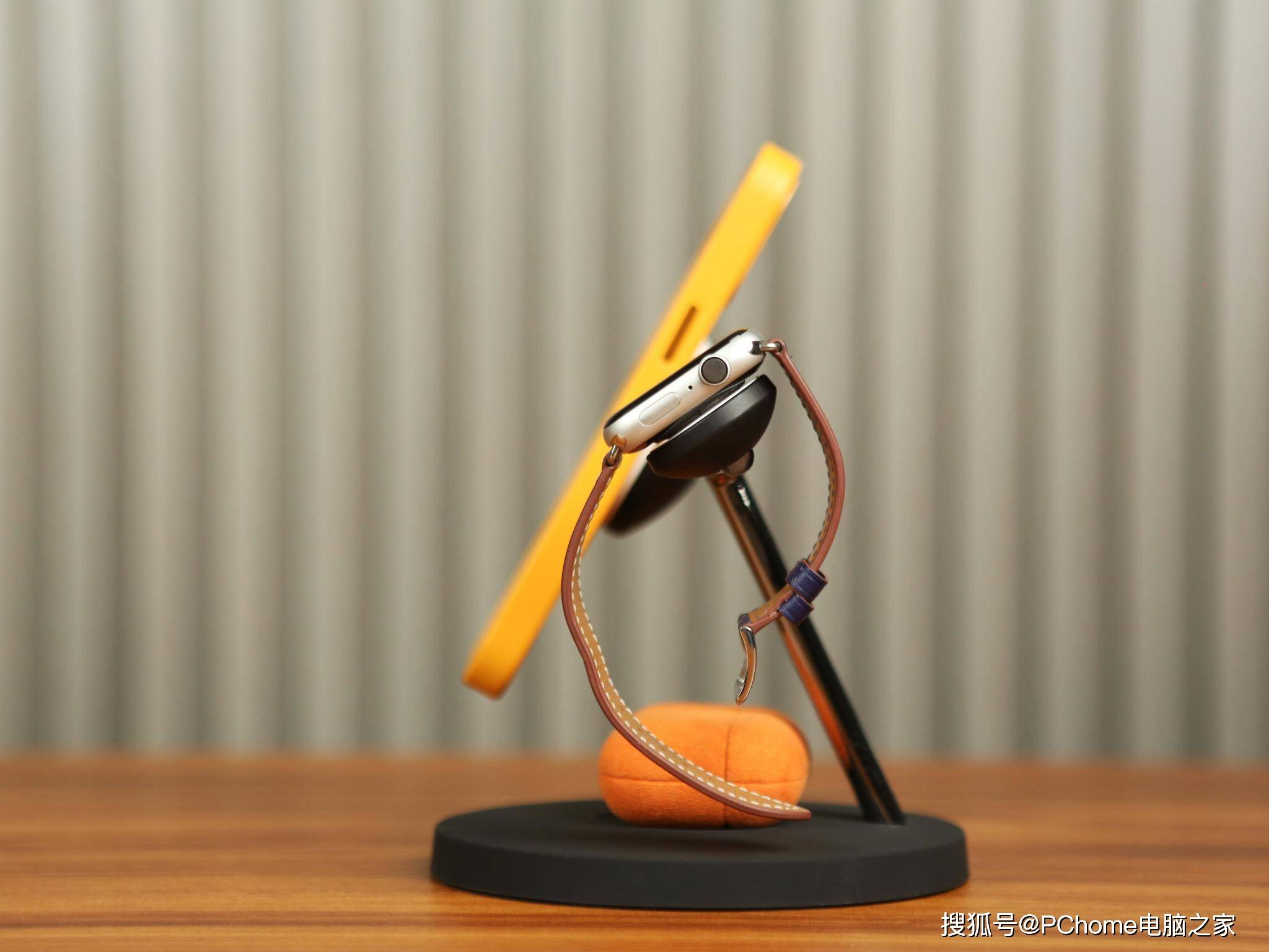 贝尔金BOOST Charge Pro体验:让充电更有品质感