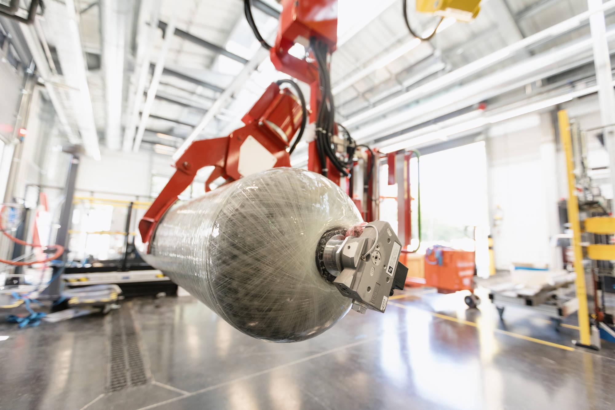 雷诺集团与佛吉亚将就氢燃料轻型商用车的储氢系统展开合作