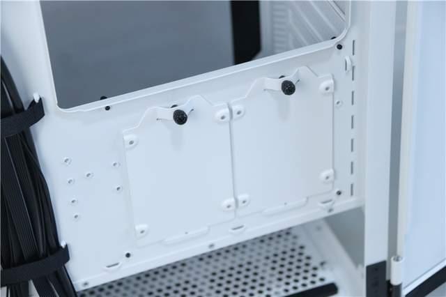 双侧板平开设计,超强兼容方便走线!Tt挑战者H6机箱装机体验