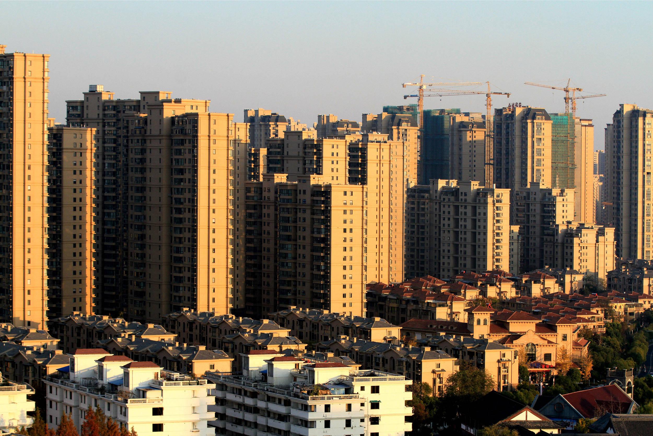 春节楼市冷热不均 热门城市调控政策趋紧