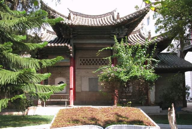 云南企鹤楼——中西融合的古建筑群