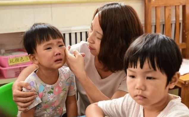 早点适应集体生活养成良好的习惯 孩子3岁上幼儿园比较合适
