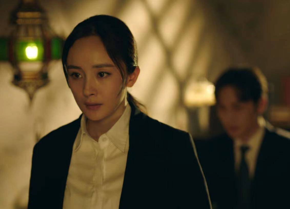 《暴风眼》嘉行演员成主力,杨幂演技成争议焦点,导演实力被质疑  第4张