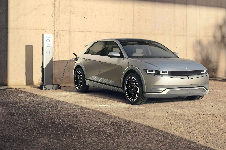 原现代汽车第一个纯电动品牌发布了一款外观科技、内饰环保的新车。你想买吗?