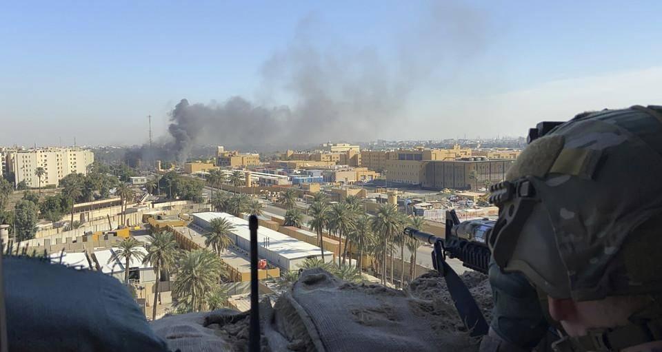 火箭弹覆盖基地,士兵伤亡惨重被迫转移,白宫责令伊拉克抓捕凶手