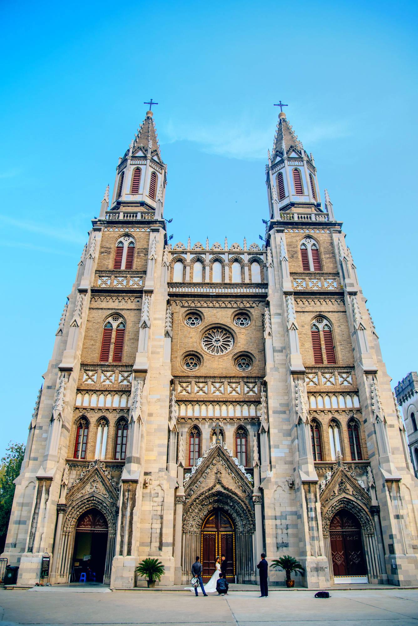 100年前华北地区规模最大的天主教堂,位于泉城济南,中西合璧!