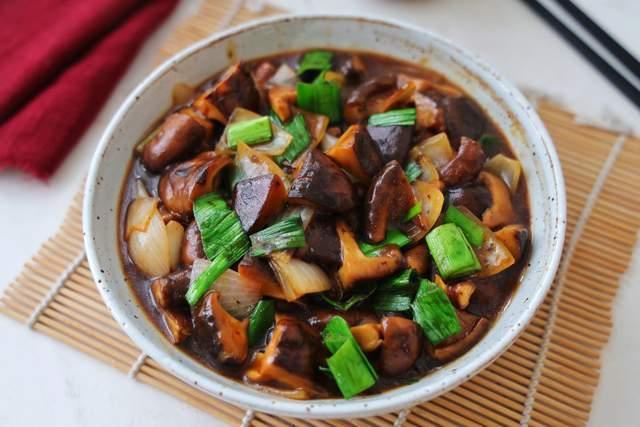 学会香菇新做法,比肉还好吃,滑嫩爽口又下饭菜,关键做法超简单