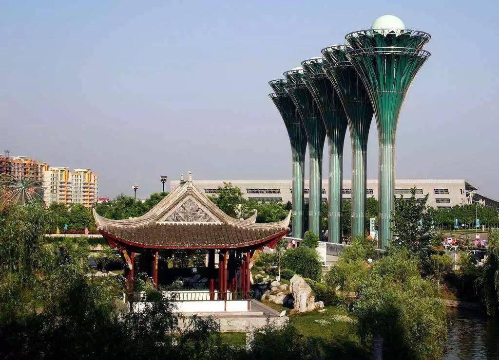 安徽一处国家AAAA级旅游景区的园林,采用皇家园林建筑风格
