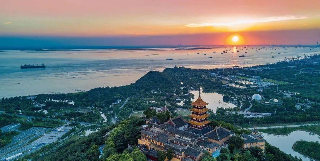 江苏让人流连忘返的居住地,并不是苏州,而是这三个城市