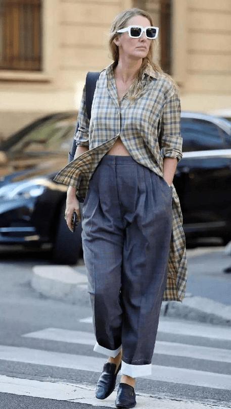 郭碧婷真是随便打扮都很美,格纹衬衫配土裤,土味穿搭难掩高级感