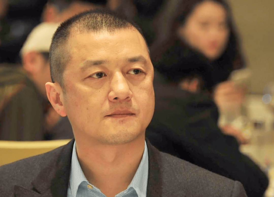 原李欠债务4000万元,债权人表示,利息达1000万元。网友嘲讽王菲跑的快