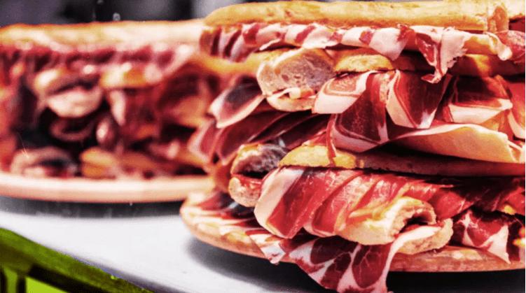 美国临床营养杂志:每天吃25克加工肉类导致痴呆症风险上升44%