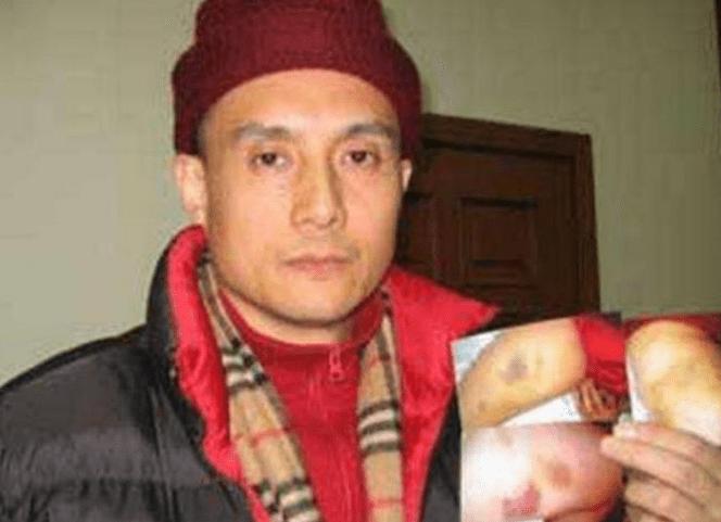 他是《西游记》最贵演员,曾被张卫健谢霆锋暴打,如今老家卖卤菜  第4张