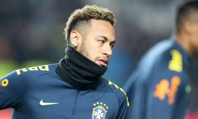 内马尔遭看衰!世界杯冠军成员炮轰:他不配当巴西队长