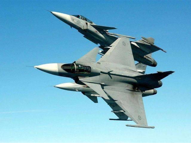 战斗机一旦被导弹锁定,有几成把握能够避开?专家