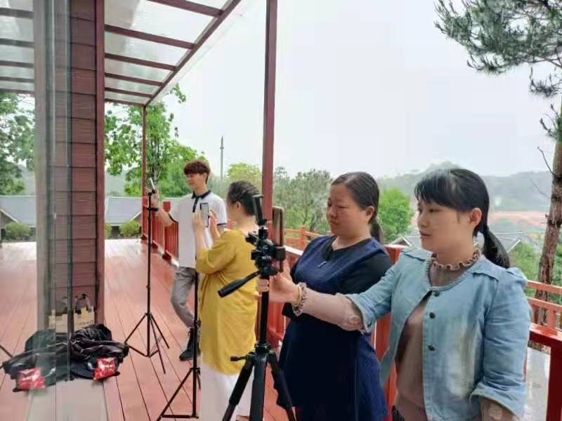 都来看看中国六堡茶核心产区六堡镇三月三都干了些什么?插图(1)